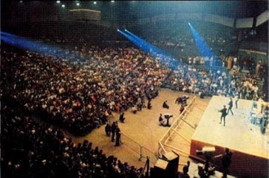 Beatles live in palais des sport '65