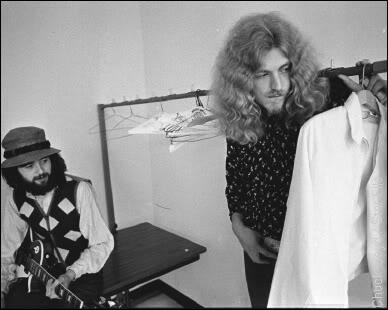 1970-09-04_LA-backstage