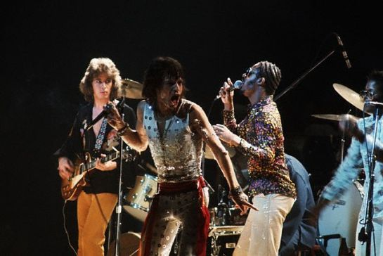 Mick Jagger and Stevie Wonder Singing