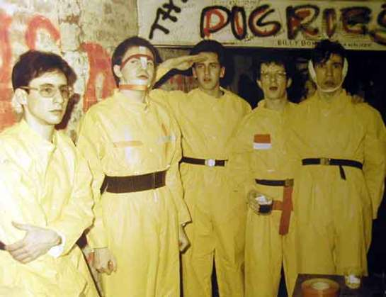 DEVO early-backstage