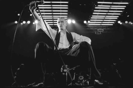 Bowie 76 Wembley pic