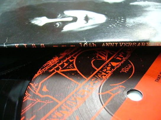 kiss-10th-anniversary-tour-spine-2